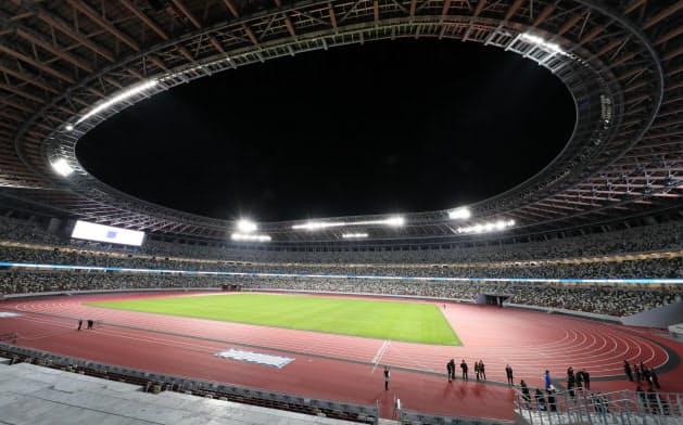 新たに建設された国立競技場。東京五輪マラソンの勝者を迎えることはなくなった