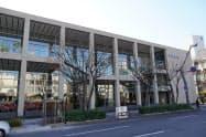 市民ギャラリーやコワーキングスペースを備えた阿波銀の本店営業部(徳島市)