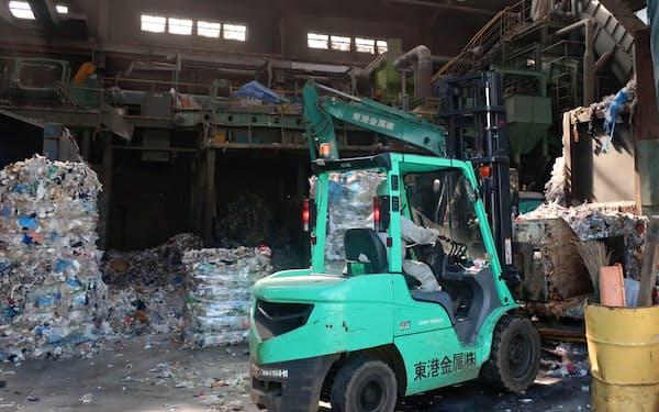 日本の廃プラ処理が中国の輸入規制で処理コストの上昇に直面している