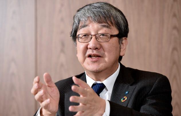 ほそい・よしひこ 1956年生まれ、兵庫県西宮市出身。87年京都大大学院農学研究科畜産学専攻博士後期課程修了。近畿大の生物理工学部長、副学長を経て、2018年4月学長に就任。専門分野は生殖生理学。
