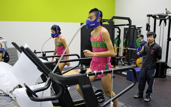 ヒーローズラボでは低酸素濃度下でのトレーニングなどをおこなうことができる
