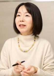 なつやま・かおる 1969年佐賀県生まれ。福岡女子大学文学部卒、九州大学大学院博士後期課程単位取得満期退学。大学非常勤講師などを経て、現在主婦。