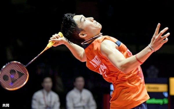 ワールドツアー・ファイナル男子シングルス決勝でインドネシア選手を破って優勝した桃田=共同