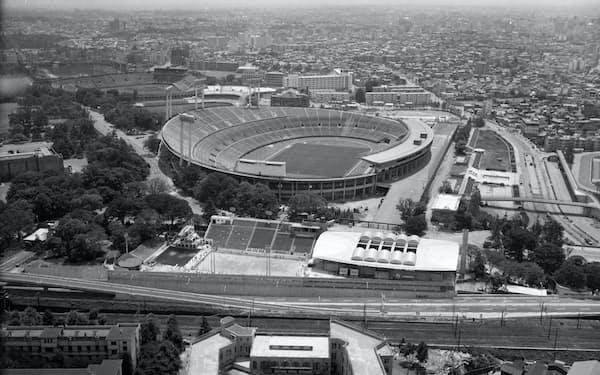 1963年3月、上空から見た国立競技場