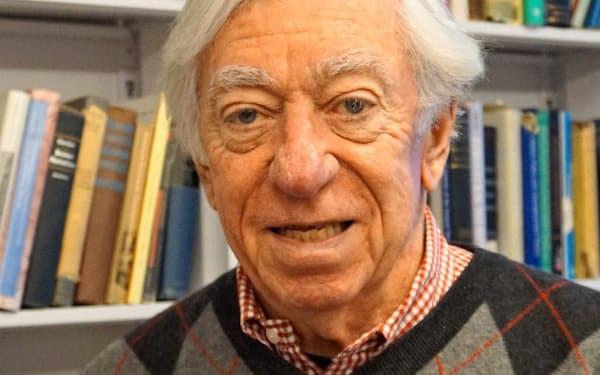 米ノースウエスタン大のロバート・ゴードン教授