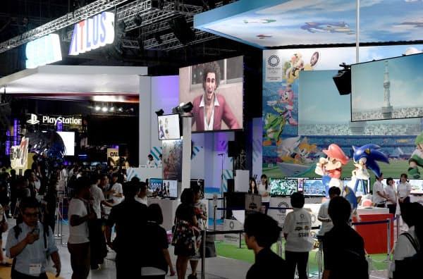 「東京ゲームショウ2019」には大勢のゲームファンが集まった(9月12日午前、千葉市美浜区の幕張メッセ)