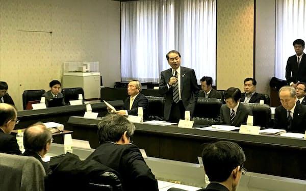 設立総会に出席した神戸商工会議所の家次恒会頭(25日、神戸市)