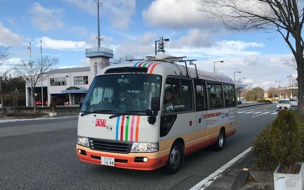 兵庫県上郡町の公道を走った自動運転システム搭載のマイクロバス