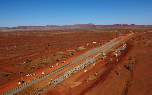 建設中のリオ・ティントのインテリジェント鉱山