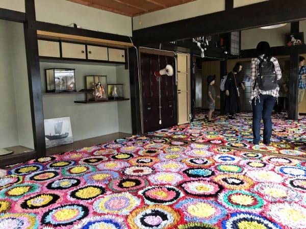 瀬戸芸で古民家を利用した粟島の作品(香川県三豊市)