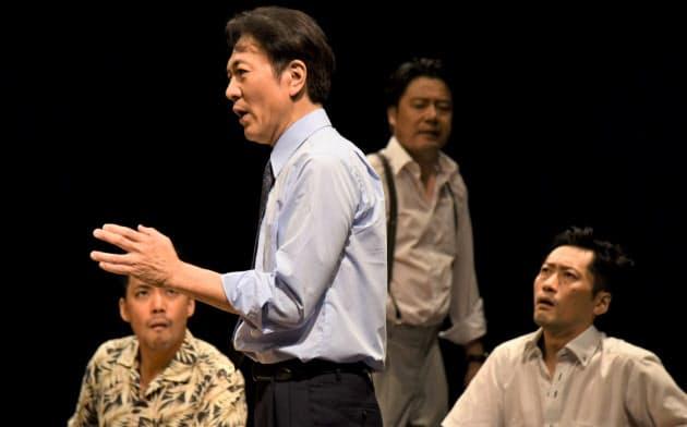 樋渡(左から2番目)ら俳優陣が密度の高い演技を見せた