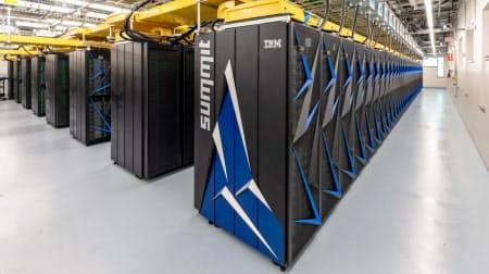 米国立オークリッジ研究所にある世界最速のスパコン「サミット」(U.S. Department of Energy, Oak Ridge National Laboratory提供)