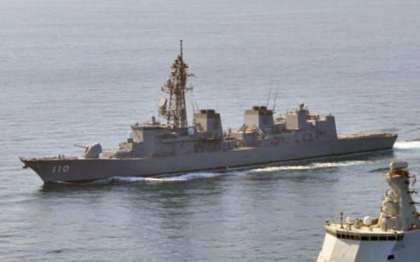 中東への派遣が決まった護衛艦「たかなみ」=海上自衛隊提供・共同