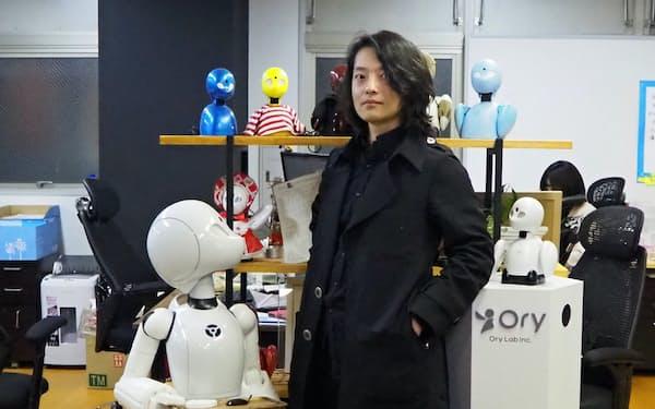 オリィ研究所(東京・港)の吉藤氏はできないことが価値になると話す