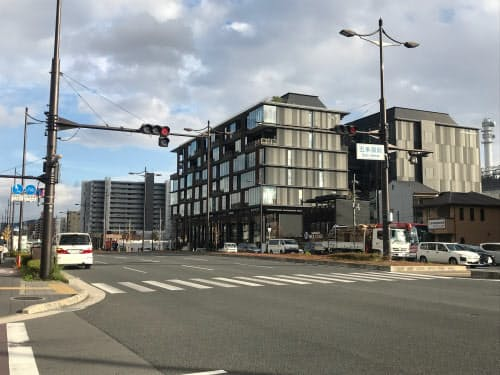 丹波口駅の西側では五条通沿いで高さ規制を緩和する