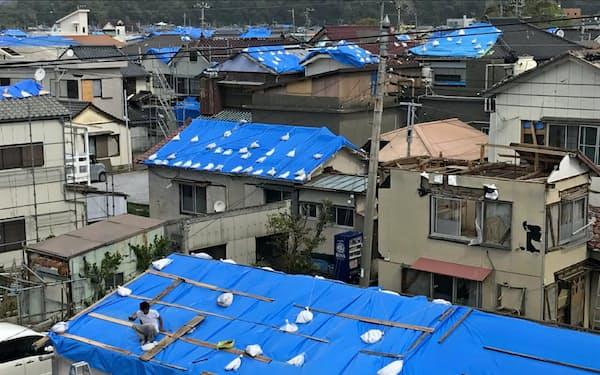 今秋の台風・豪雨でおよそ7万棟の住宅が損壊した(10月、鋸南町)