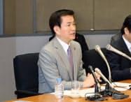 年内最後の部課長会議であいさつする森田健作知事(27日、千葉県庁)