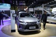高級車ブランド「レクサス」でトヨタの担当者が販売店に値下げを控えるよう要請していた(広東省広州市の展示会)