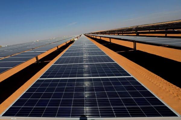 エジプトの大規模太陽光発電=ロイター