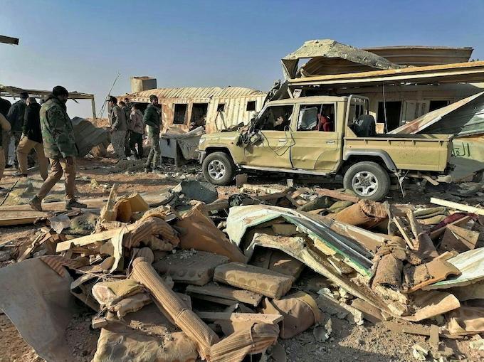 イラク、米軍の空爆に反発広がる 「主権を脅かす」: 日本経済新聞