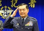 台湾の軍用ヘリ墜落で死亡した沈一鳴・参謀総長(19年3月、台北市)=AP