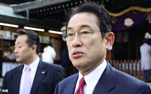 広島市を訪れた自民党の岸田政調会長(4日)=共同