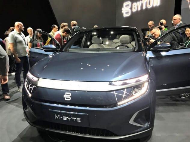 バイトンが北米で公開した同社初の市販EV「M―Byte(エムバイト)」(5日、米ラスベガス)