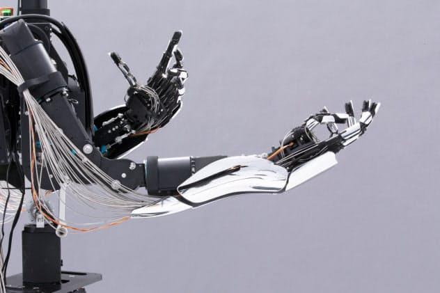 メルティンMMI(東京・中央)が開発するアバターロボット「MELTANT-α」