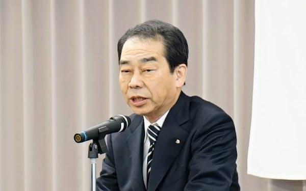 年頭あいさつに臨む相鉄ホールディングスの林英一会長(6日、横浜市)
