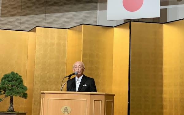 金沢商議所の安宅会頭は東京五輪後の経済などに懸念を示した(金沢市)