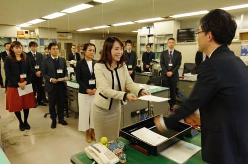福井県は「未来戦略アドバイザー」として首都圏から4人の兼業者を起用した(19年11月、福井県庁)