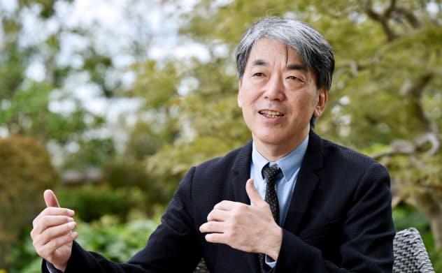 はしづめ・しんや 1960年生まれ、大阪出身。90年大阪大学大学院工学研究科博士課程修了。大阪市立大学都市研究プラザ教授などを経て、2012年から大阪府・市特別顧問を兼任。専門分野は都市計画学など。