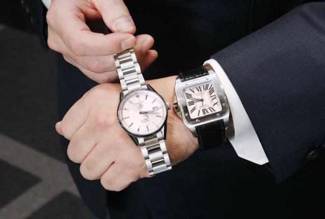 東京個別指導学院の齋藤勝己社長が愛用する時計。右が「サントス」、左がアイルトン・セナモデル