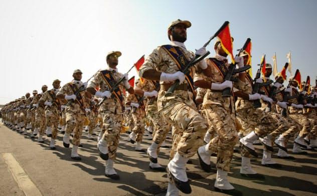 展開次第ではイラン革命防衛隊が中東各地で米軍に非対称戦を挑みかねない=ロイター