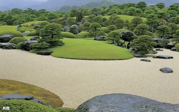 足立美術館の枯山水庭(島根県安来市)=共同