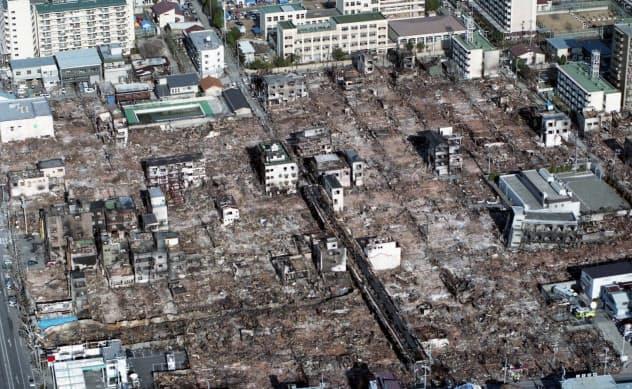 震災で多くの住宅などが火災にあった神戸市長田区(1995年1月)