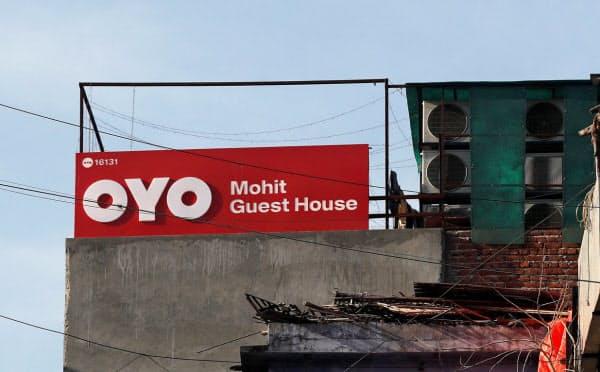 OYOは米国でホテルを買収するなど事業を強化する一方、インドと中国では事業再編に着手し、余剰人員を減らした(ニューデリーの「OYO])=ロイター