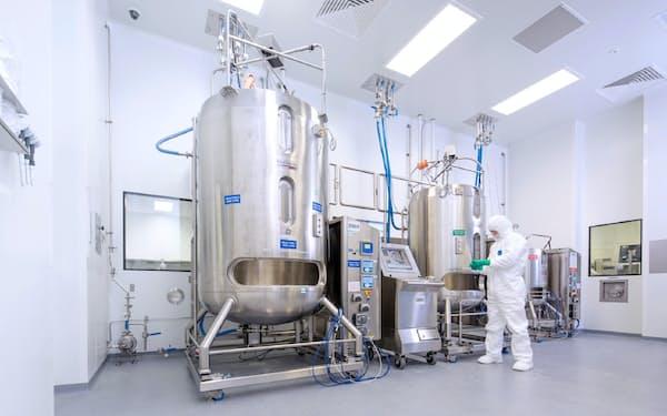 富士フイルムはバイオ医薬品の開発受託に使う細胞培養タンクに投資している