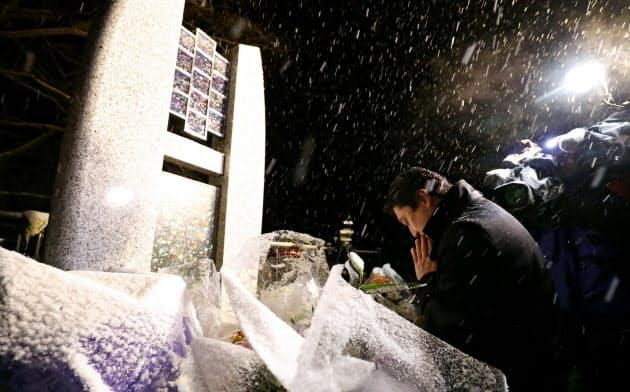 軽井沢バス事故4年、15人に祈り 運行会社社長が謝罪