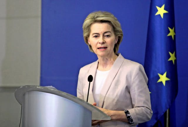 EUのフォンデアライエン欧州委員長は地球温暖化対策として「国境炭素税」を打ち出した=ロイター