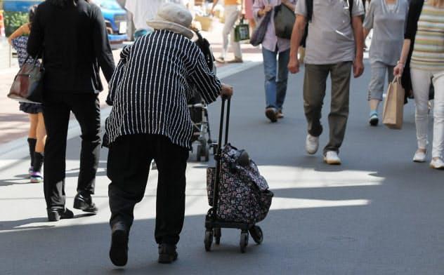 単身世帯の高齢者が増えている