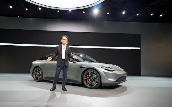 ソニーはデジタル技術見本市「CES」で自動運転車を発表した(6日、米ラスベガス)