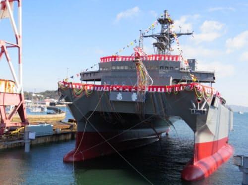 進水式が行われた音響測定艦「あき」
