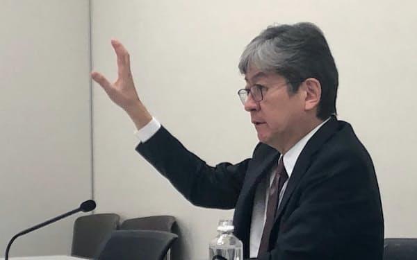 会見するマネックスGの松本大社長(1月16日、東証)