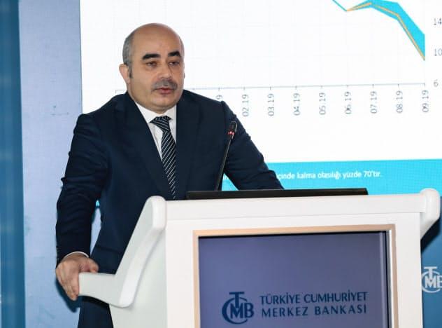 トルコ中央銀行のウイサル総裁(2019年10月)=アナトリア通信