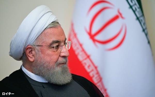 イランのロウハニ大統領は核合意締結前を超える量のウランを濃縮したと表明した=ロイター