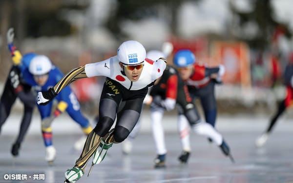 冬季ユース五輪のスピードスケート・マススタート男子で金メダルを獲得した蟻戸一永(16日、サンモリッツ)=OIS提供・共同
