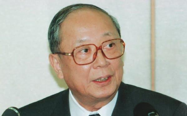 記者会見する松下日銀総裁(1997年、日銀本店)