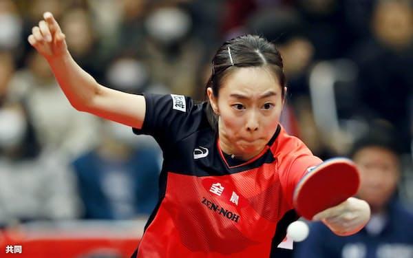 女子シングルス6回戦を突破した石川佳純(17日、丸善インテックアリーナ大阪)=共同