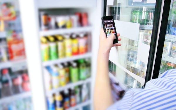 シンガポールのユニコーン企業のトラックスは、小売り店舗などの陳列棚を、画像認識技術を使って効率的に管理するツールを提供する